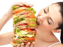 Почему постоянно хочется есть?