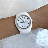 Женские наручные часы силиконовые Geneva софт тач белые