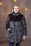 Жіноча темно-коричнева шуба штучна у великих розмірах без капюшона 392102, фото 4