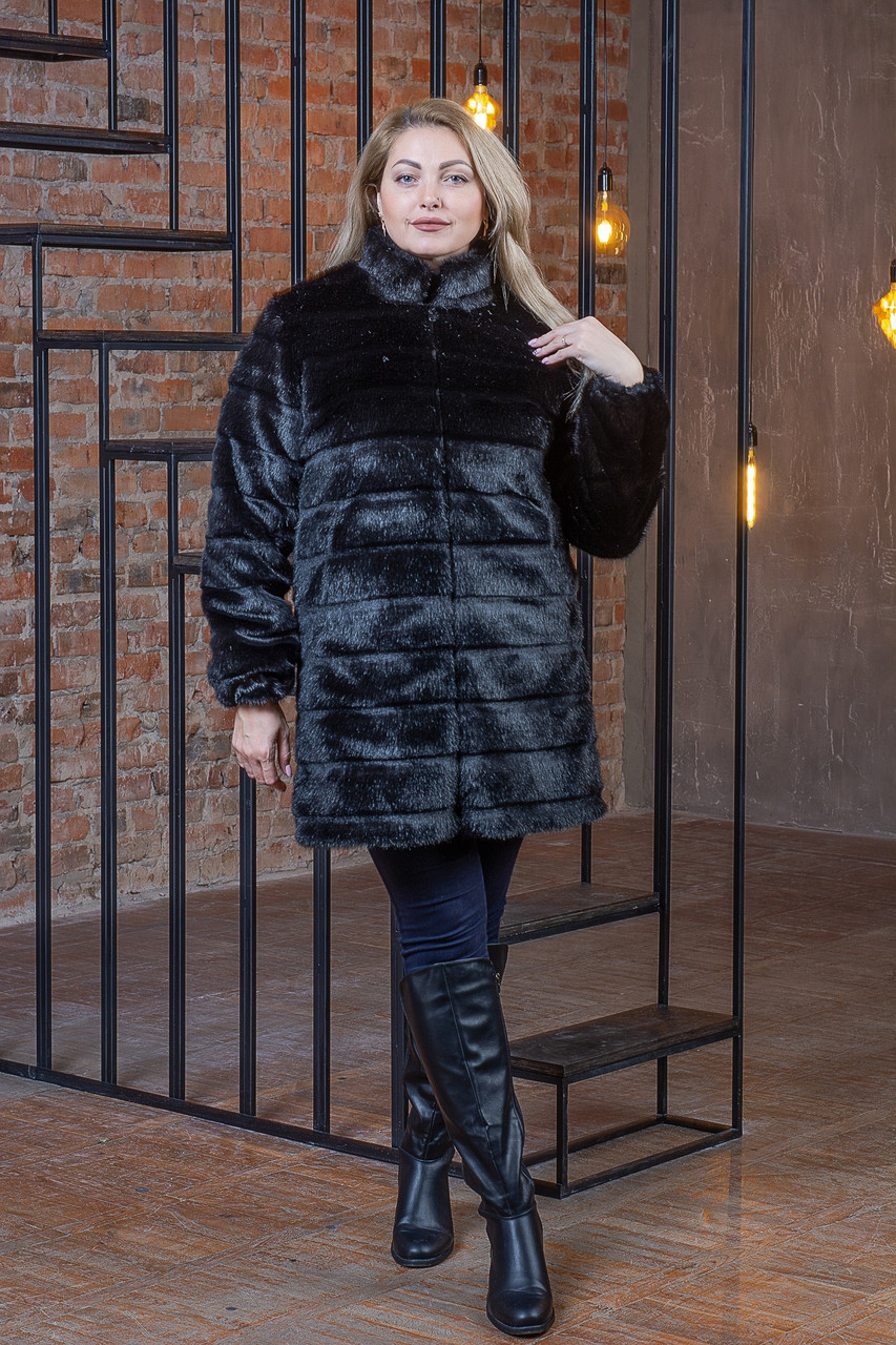Черная женская шуба в больших размерах из искусственного меха с воротником - стойкой 392103