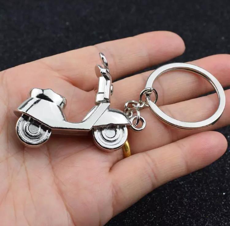 Качественный брелок для ключей из нержавеющей стали «Мопед» на цепочке для мужчин и женщин
