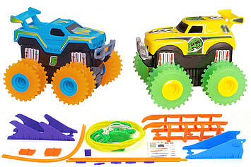 Машинки на бат. Trix Trux набір 2 машинки з трасою (синій + жовтий)