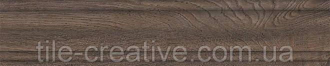 Плинтус Меранти венге 39,8х8х15,5 SG7321\BTG