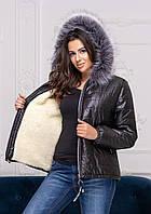 Теплая женская куртка с капюшоном черная