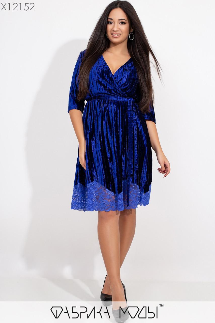 Бархатное платье в больших размерах с верхом на запах и расклешенной юбкой с кружевом 1ba407