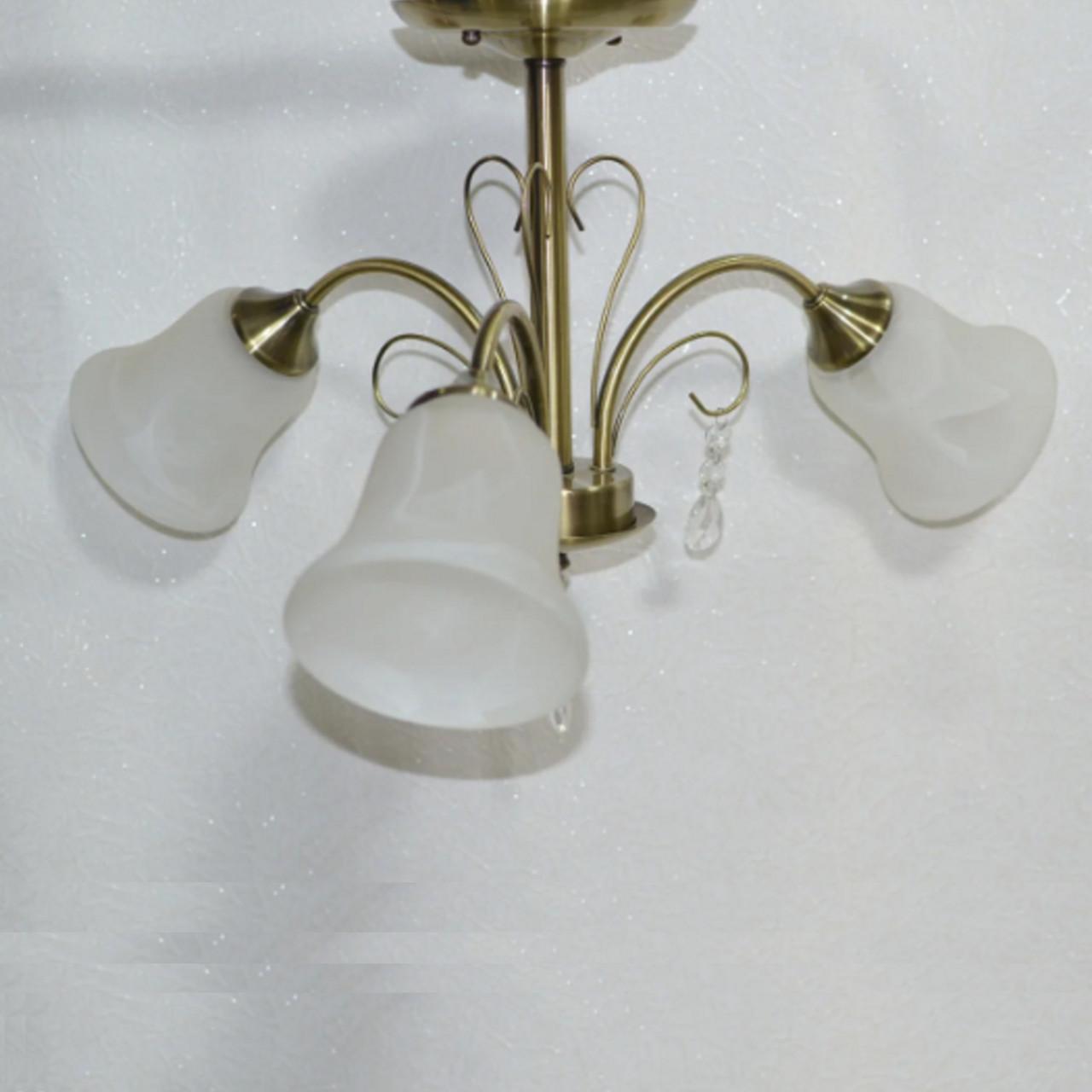 Люстра, 3 лампы, белые плафоны, бронзовая