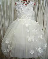 4.123 Нежное белое нарядное детское платье-маечка с бабочками на 4-5 лет