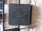 Люк канализационный полимерный квадратный с замком 1т
