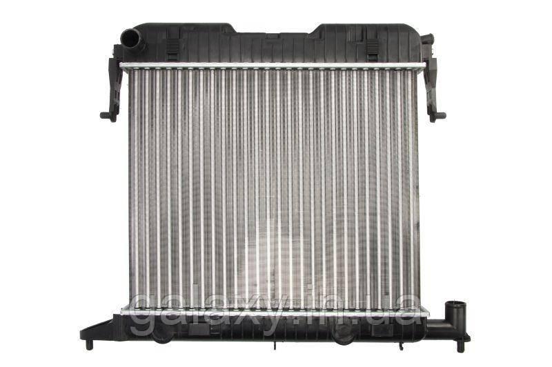 Радіатор охолодження двигуна основний OPEL Omega A 1.8 / 2.0 Опель Омега A 1986 - 1994