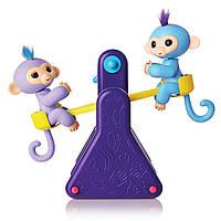 Интерактивная игрушка Fingerlings обезьянки Вилли и Милли на игровой площадке WowWee