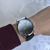 Женские наручные часы искусственная кожа градиентные Oktime бело-черные