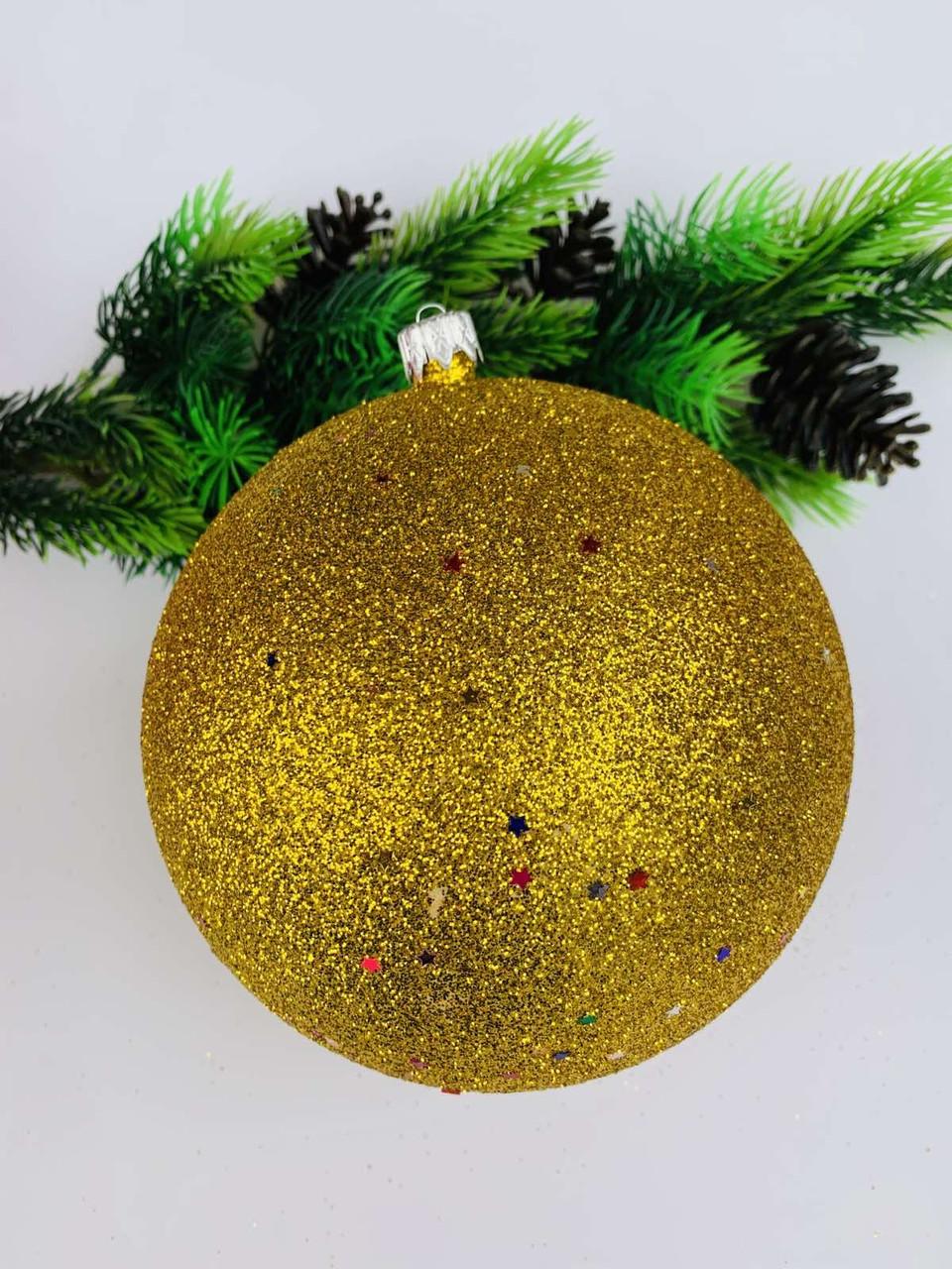 Елочный шар. Большой, новогодний шар на елку.