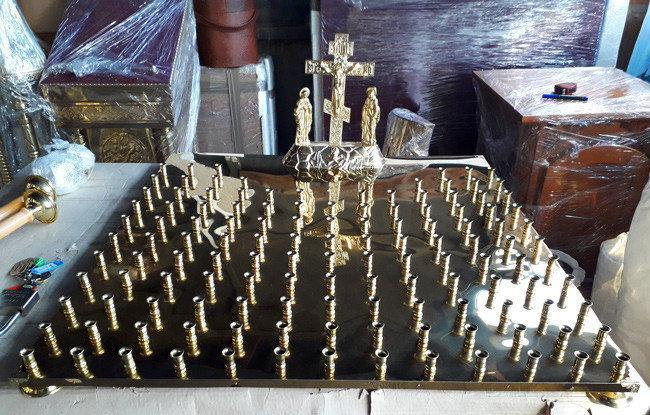 Кришка панихидного столу з булату на 130 свічок
