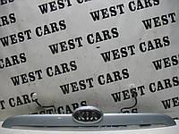 Накладка крышки багажника (панель подсветки номера) Kia Cerato 2004-2006 Б/У