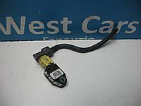 Датчик AIRBAG передний правый Toyota Avensis 2003-2008 Б/У