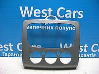 Накладка центральной консоли Ford Focus 2004-2011 Б/У