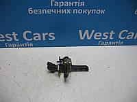Ограничитель передней двери Volvo XC90 2002-2014 Б/У