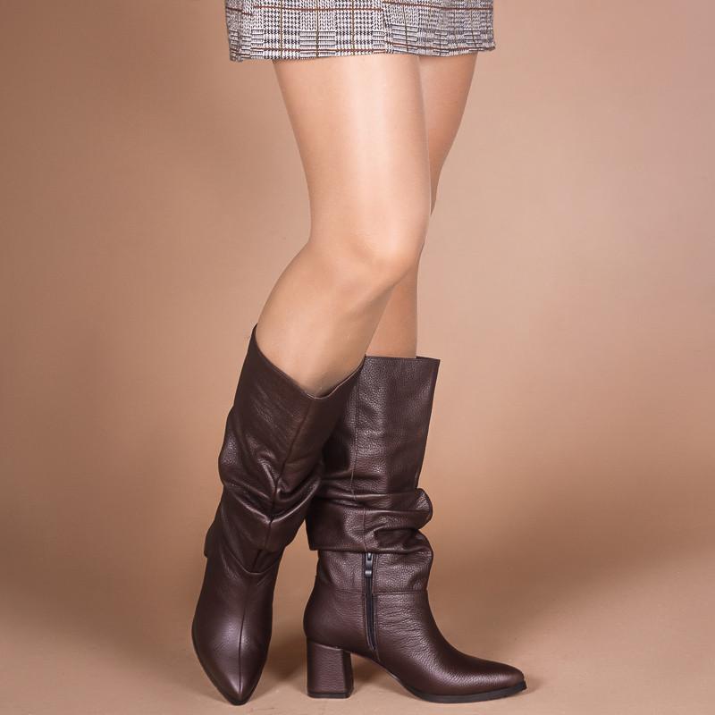 Кожаные коричневые женские сапоги-гармошки на среднем каблуке. Натуральная кожа. Зима, деми.