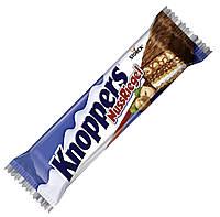Knoppers NussRiegel Вафельные батончики с шоколадно-ореховой, молочной начинками и кусочками фундука, фото 2