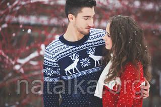 Зима — самое время приобрести теплый свитер с оленями. Сочетайте с джинсами и брюками