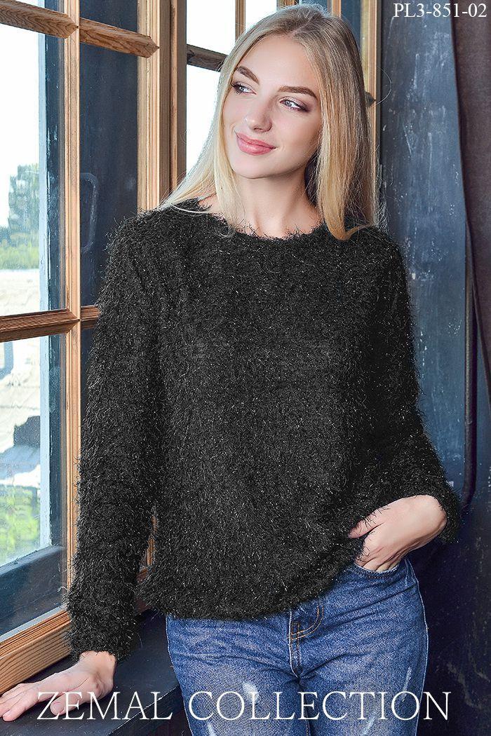 Теплий святковий жіночий светр чорний