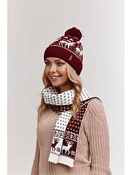 Вязаные комплекты: шапка, шарф с оленями — гармоничное сочетание теплых вещей. Приобретайте оптом и в розницу