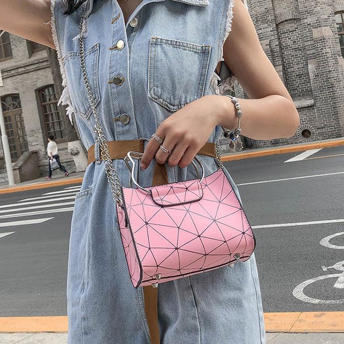 """Женская классическая сумочка на цепочке """"Кошка"""" розовая"""