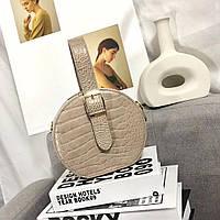 Женская сумка-клатч из эко-кожи бежевая