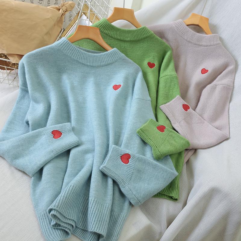Романтичный свитер с мелкими сердечками 44-48 (в расцветках)