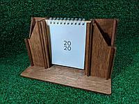 Деревянная подставка для канцелярских принадлежностей с календарем, цвет дуб