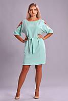 Красивое женское платье с вышевкой