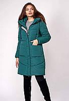Яркое зимнее женское пальто
