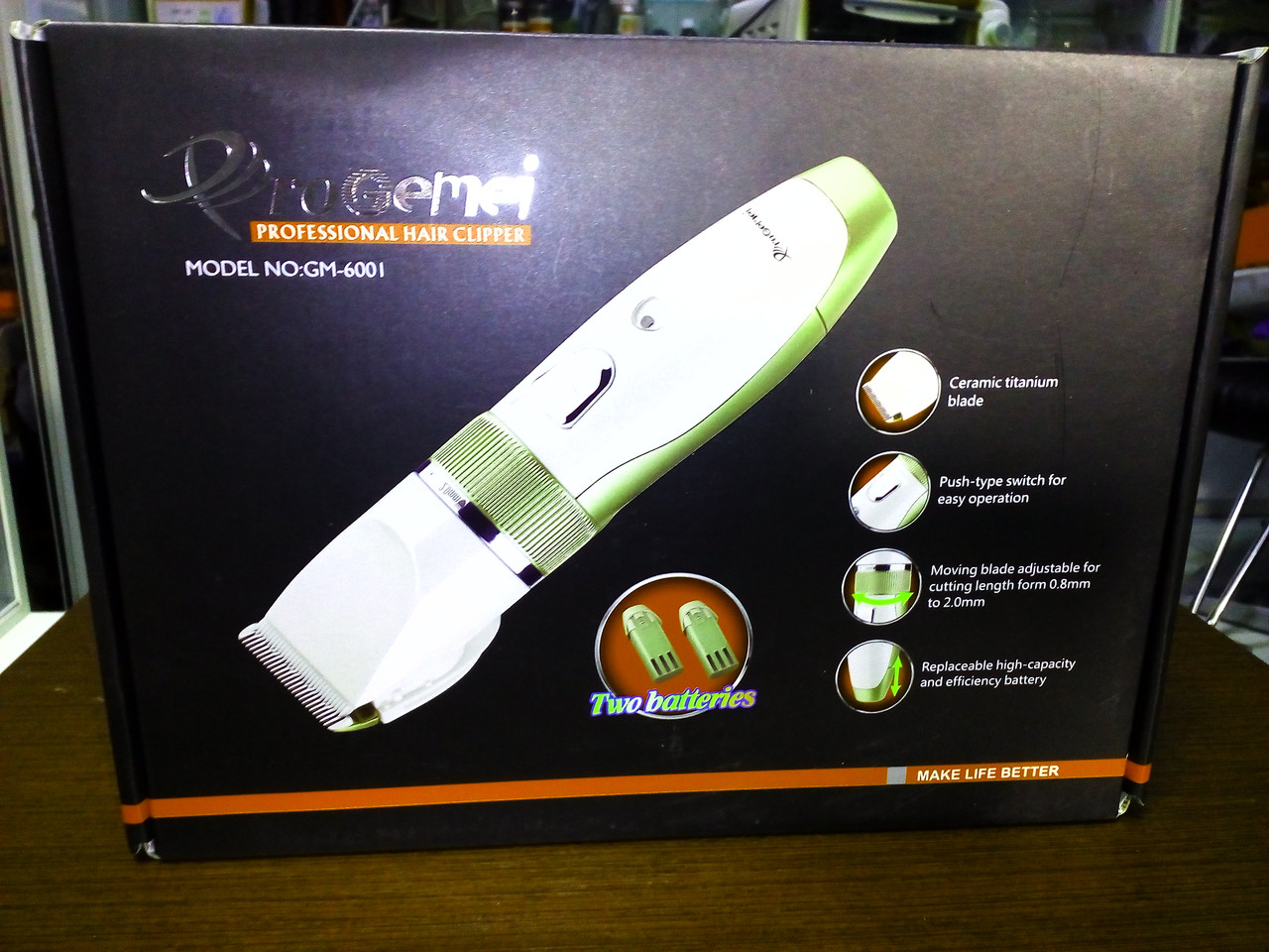 Машинка для стрижки волос с керамическими лезвиями и 2 аккумуляторами Gemei GM 6001