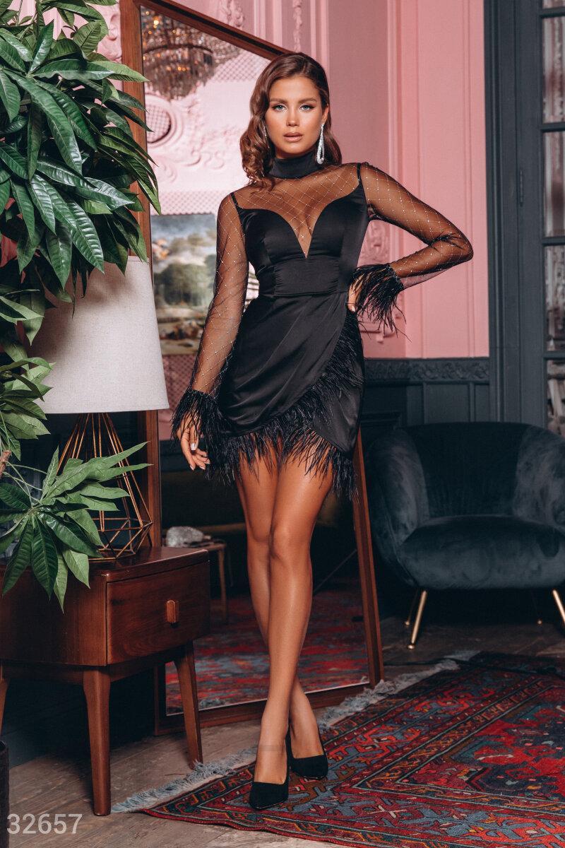 Нарядное платье мини с перьями страуса