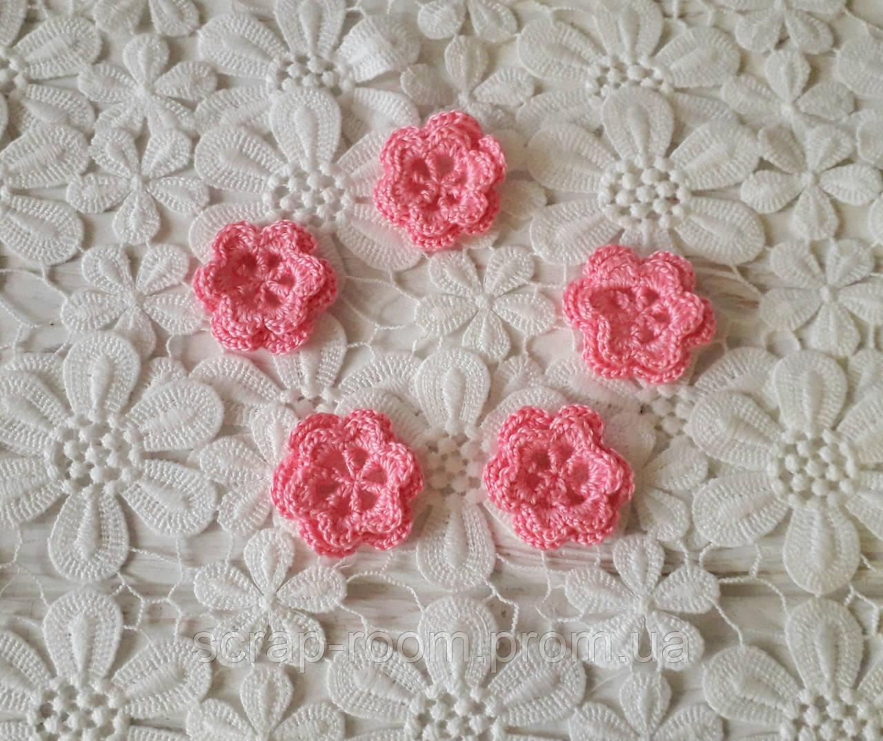 Вязаный цветок ярко-розовый двухслойный, вязаный цветок 3,5 см, цветок вязаный ярко-розовый ручная работа.