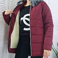 Женский зимний пуховик бордового цвета
