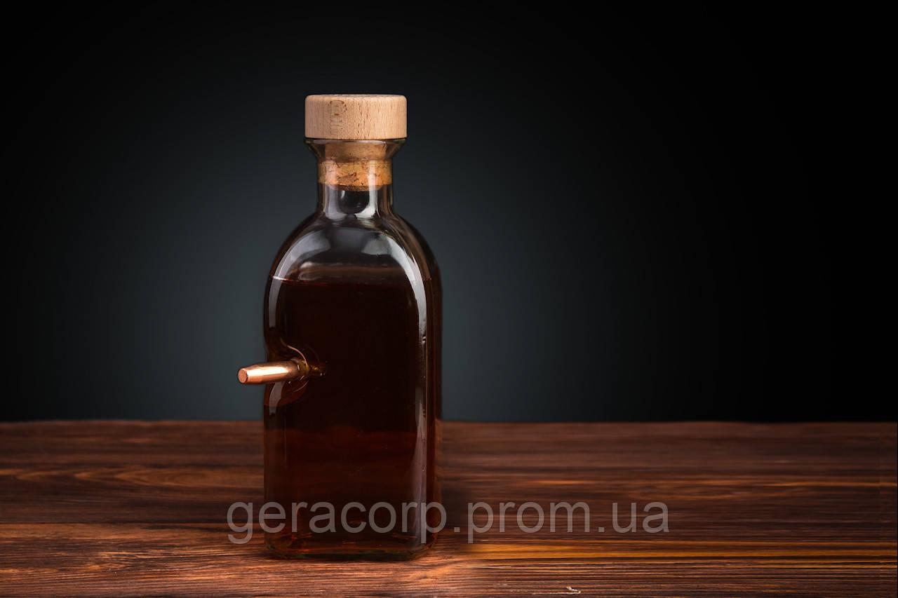 Графин квадратный 0.7 литра с «Застрявшей» Пулей .375