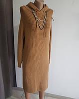 Теплое коричневое платье с капюшоном