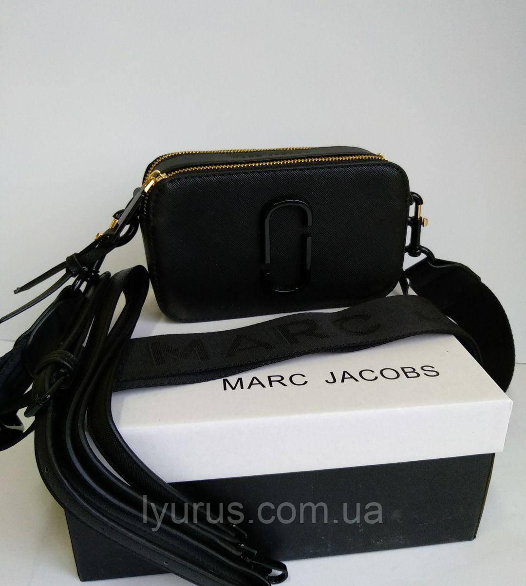 Сумка женская черная Marc Jacobs на змейке цвета золото
