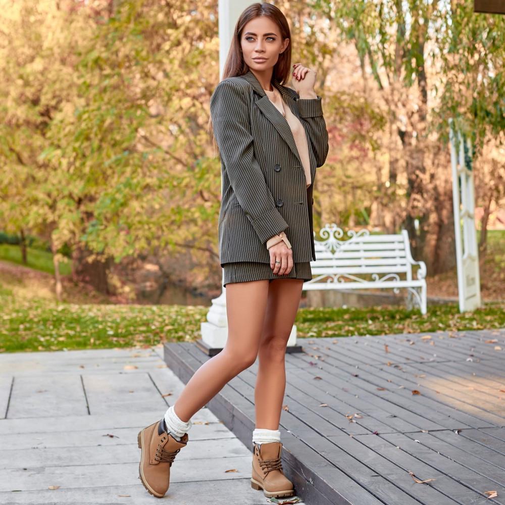 Женский костюм пиджак + шорты хаки