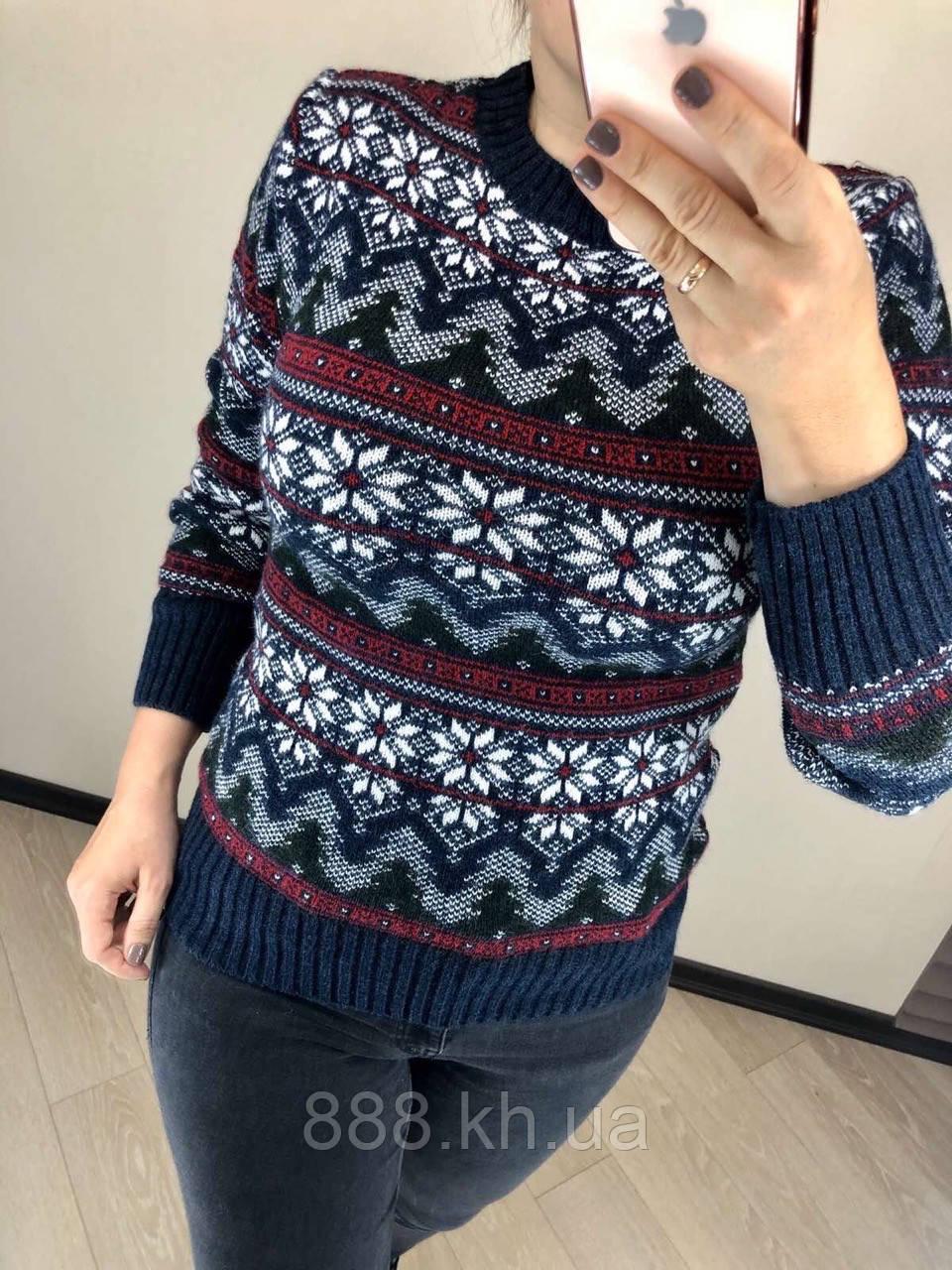 Красивый шерстяной праздничный женский свитер со снежинками (вязка)