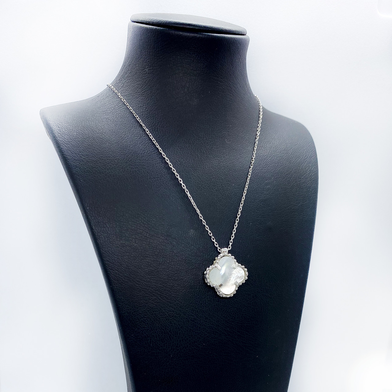 Кулон из серебра Beauty Bar  в стиле Van Cleef & Arpels с жемчугом