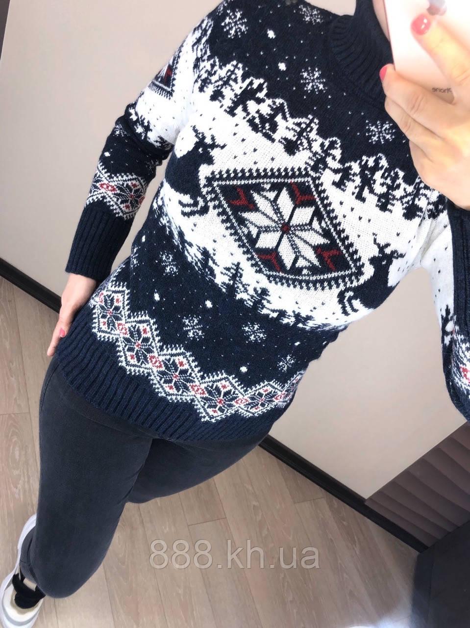 Чудесный шерстяной праздничный женский свитер с оленями (вязка)
