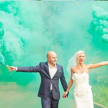 Цветной дым зеленый