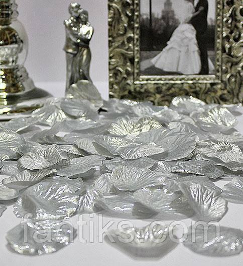 Набор 100 шт серебряных искусственных лепестков роз