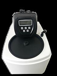 Кабинетная установка умягчения воды UAT 0835 U  автоматическим клапаном управления Clack WS1 CI