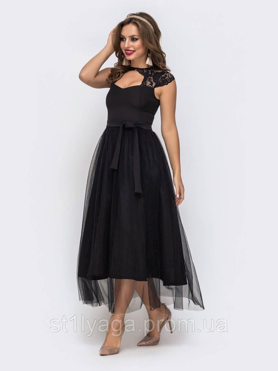 Женственное вечернее платье с ажурным кружевом и юбкой из фатина длиной миди черный