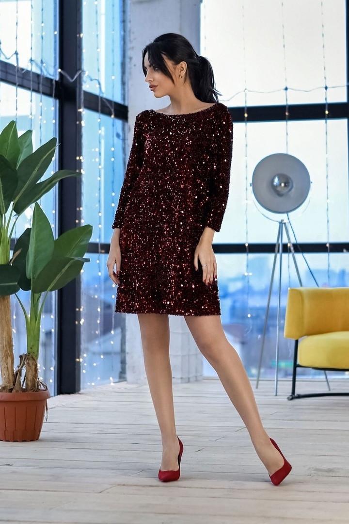 Женское блестящее платье-мини в пайетках с открытой спиной