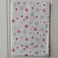 Хлопковая новогодняя ткань Серебряные и красные снежинки на белом фоне 40*50 см, фото 1