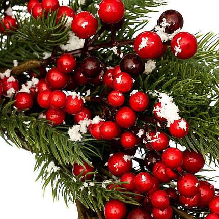 Венок новогодний рождественский Еловый ягодный 001NF на двери на стену, фото 2